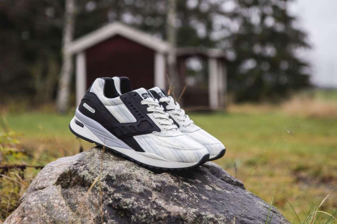Sneakersnstuff x Brooks Regent 'American Dream'