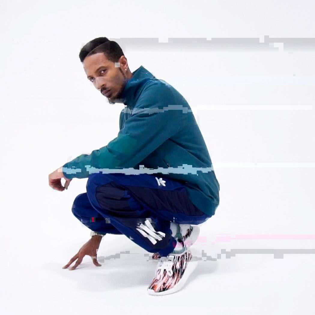 Sneakersnstuff x adidas Originals NMD_R1 Datamosh
